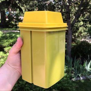 Vintage Tupperware pickle / olive saver with lid